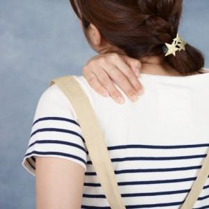 肩の痛み 背中の痛み 肩こり トリマー 女性